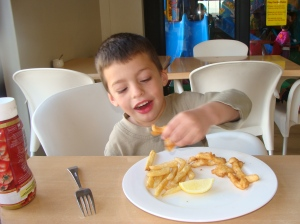 Yum! Nothing like calamari and chips. I'm so chaffed they actually like these calamari. We NEVER eat fish at home!